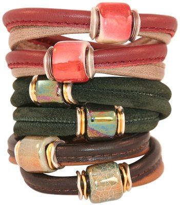 Leer en keramiek=een originele armband!