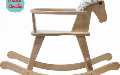 Houten hobbelpaarden: een prachtige accessoire voor de kinderkamer