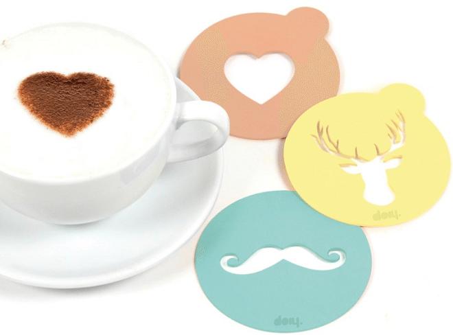 Hartjes maken in de koffie met de DOIY Cappucino Mallen