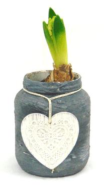 Grijze plantenpotje met hart