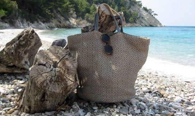 Praktisch, trendy én duurzaam: de perfecte strandtas